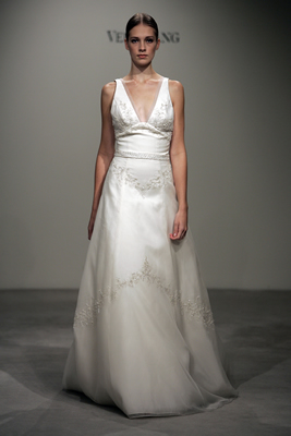 Discounted Vera Wang wedding gowns less than £1000